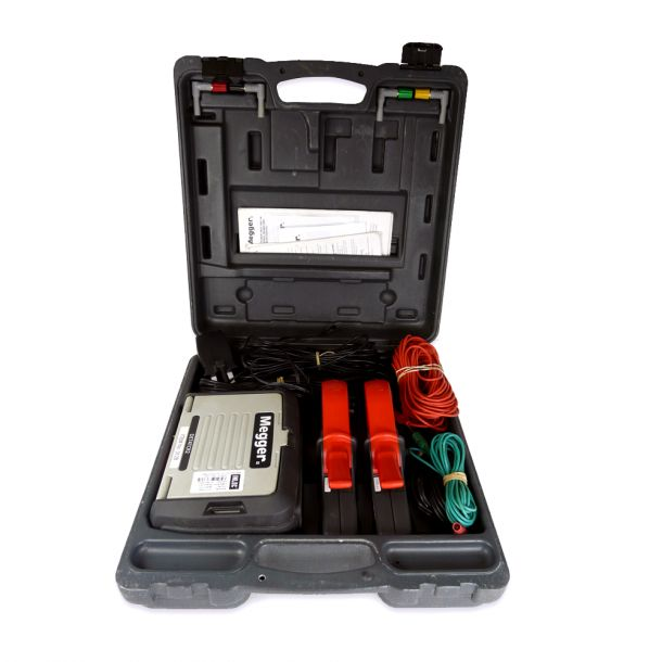 Megger DET4TC-KIT Earth Resistance Tester With Stakeless Measurement